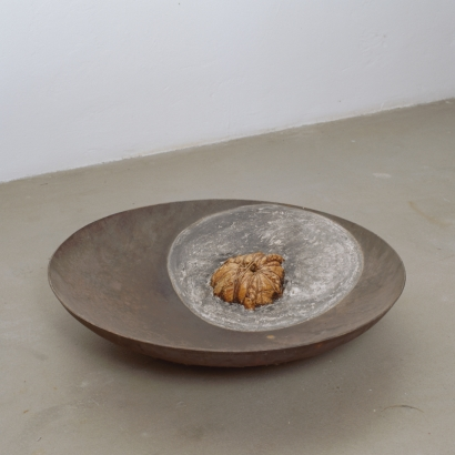 1996   ø 80cm h 20cm  fleisch  keramik  stahl